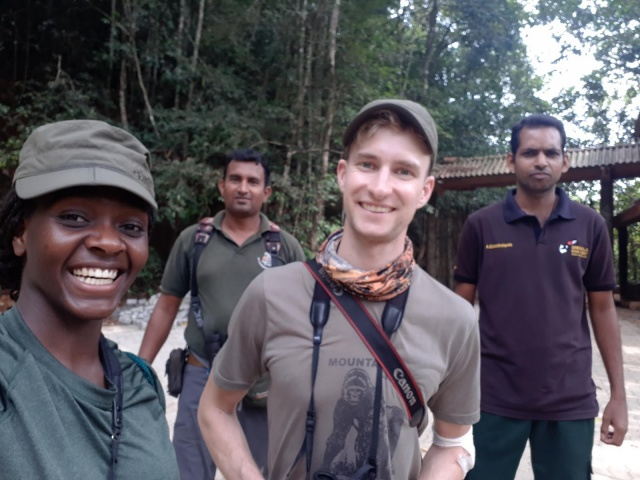 Thilina, Ramata, Timo and local trekker in Shinharaja